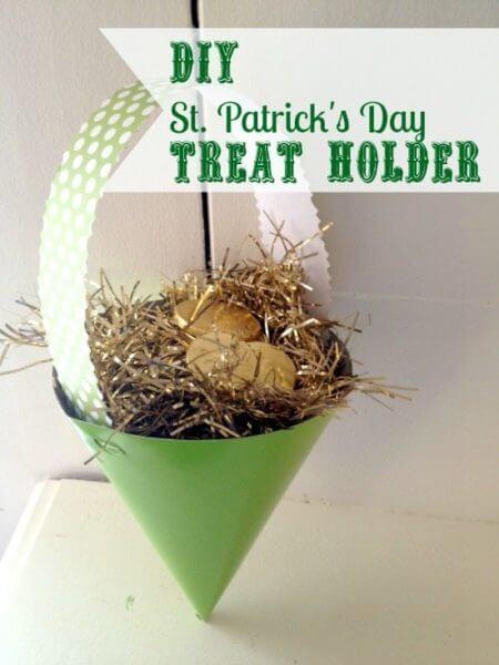 DIY St. Patrick's Day Treat Cone Holder