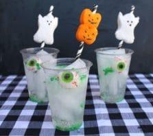Easy peep marshmellow straws to make a fun drink for Halloween- Easy Halloween Treat Recipe