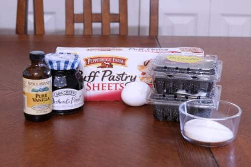 Ingredients for Blackberry strudel