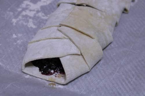 , Easy Blackberry Strudel Recipe