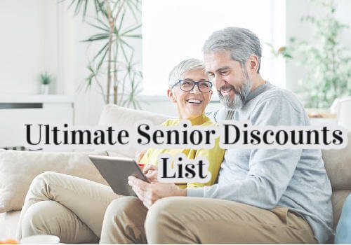 Seniors List to discounts in Canada: A senior man and women are sitting on a couch shopping online